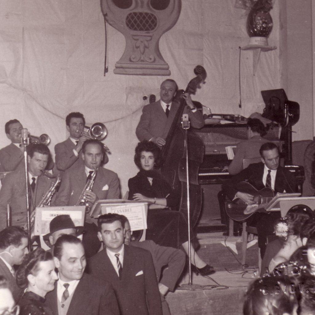 Orchestra Casadei 1953 Serata Con Secondo Al Contrabbaso